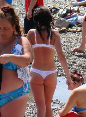 Candid beach bikini girls