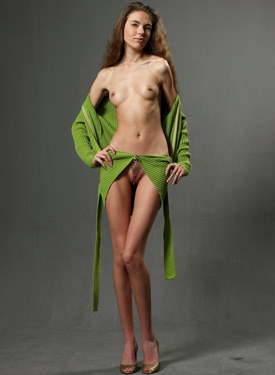 Exciting hairy pussy fashion in green