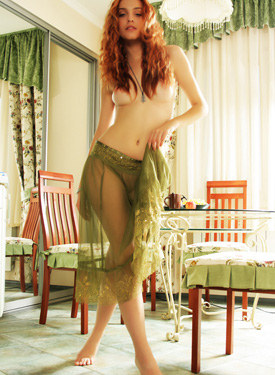 Redhead beauty has wonderful body